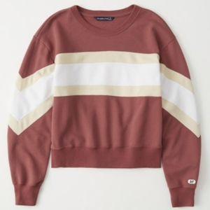 Abercrombie & Fitch Crew Neck Sweatshirt - M